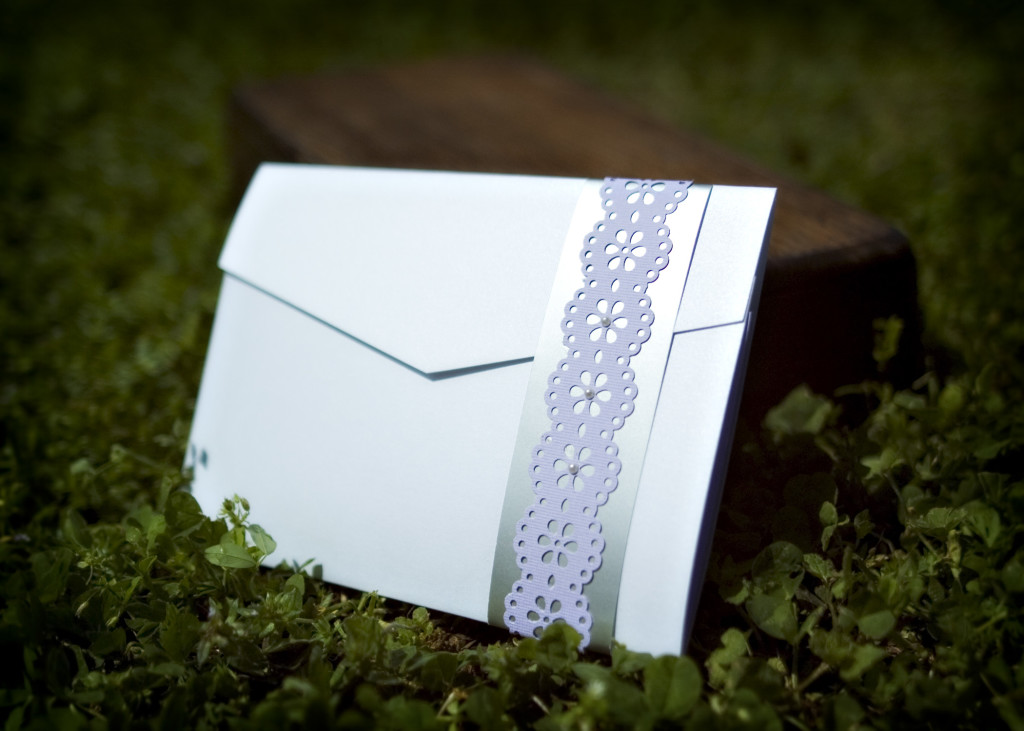 Design 1: 3-fold Envelope Style with Paper Accent Ribbon